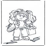 Przedszkolaki - Dziewczynka z telefonem komórkowym